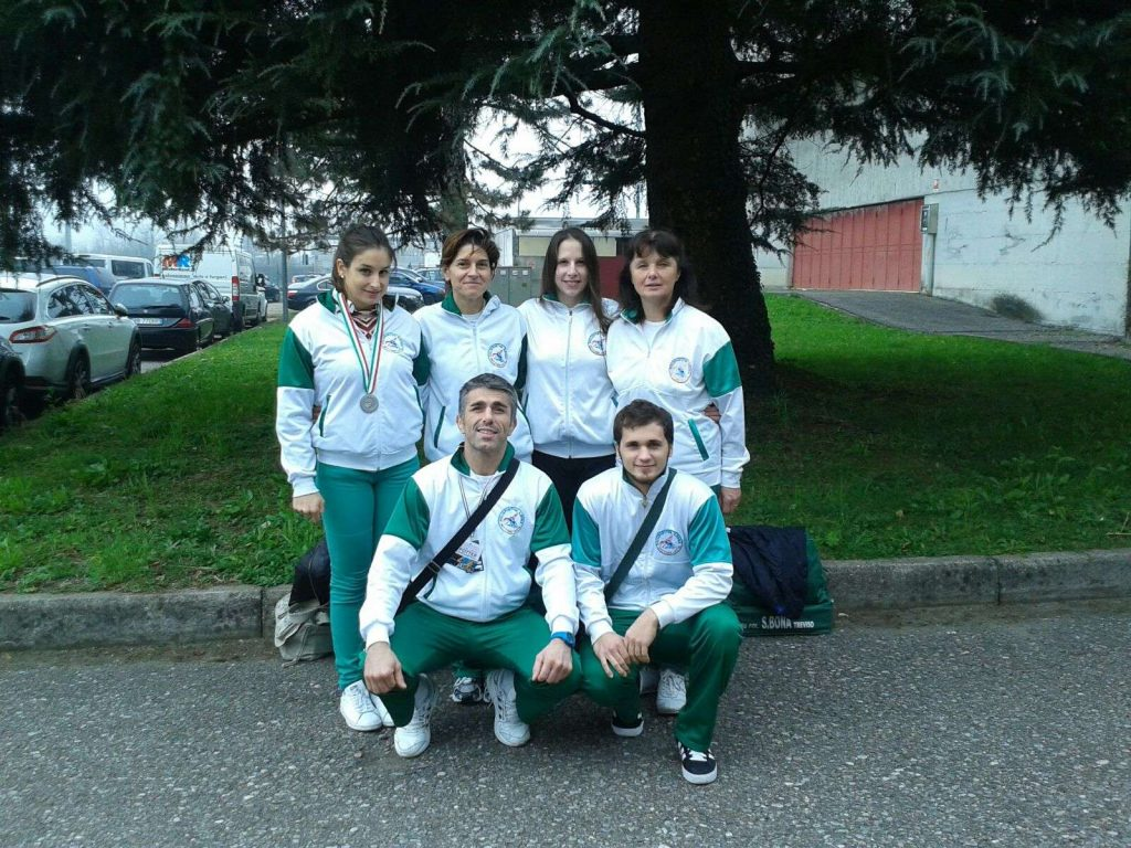 squadra polisportiva sul podio spintasu panca 2015